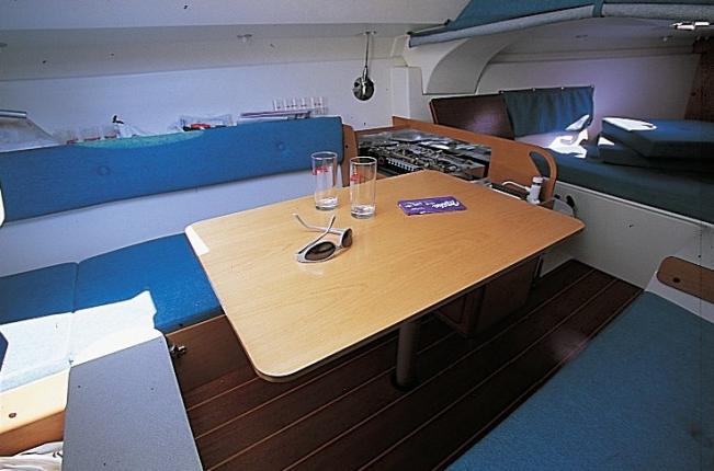 Etap 22s interior etap yachting for Ample storage space